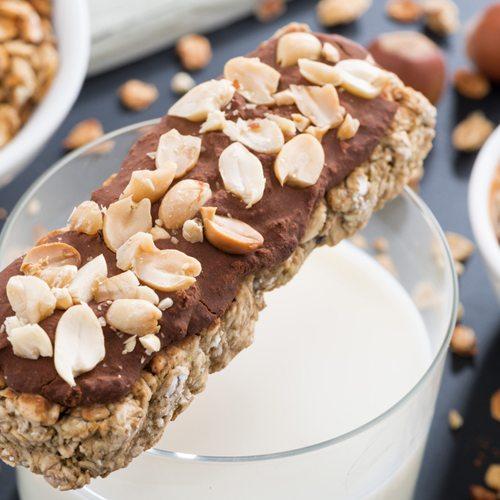 almond-crunch-protein-bars