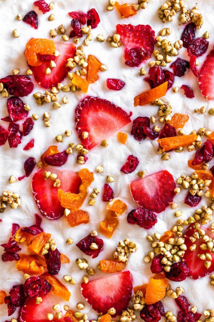 healthy frozen yoghurt bark